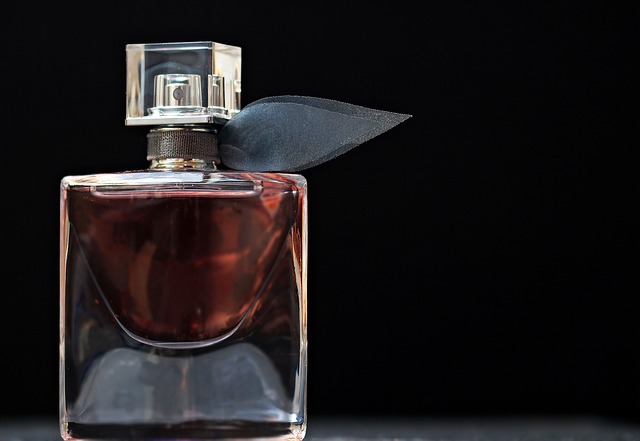 perfume-2142817_640